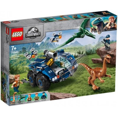 LEGO® Jurassic World Gallimimus and Pteranodon Breakout 75940
