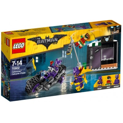 LEGO® Catwoman™ Catcycle Chase 70902