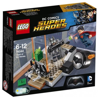LEGO® DC Super Heroes™ Clash of the Heroes 76044