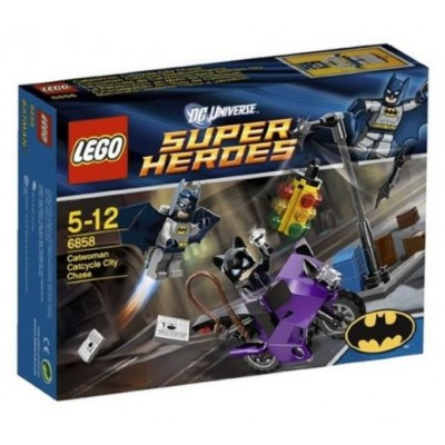 LEGO® DC Super Heroes™ Catwoman Catcycle City Chase 6858